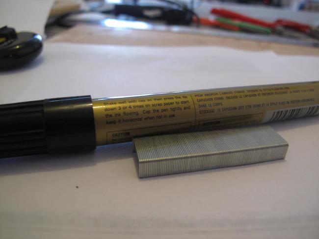 materiales-grapas-doradas