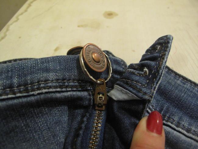 Con este tip podrás reparar el cierre de tu pantalón rápidamente en caso de emergencia.