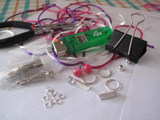 1-materiales-pulsera-bicolor-macrame
